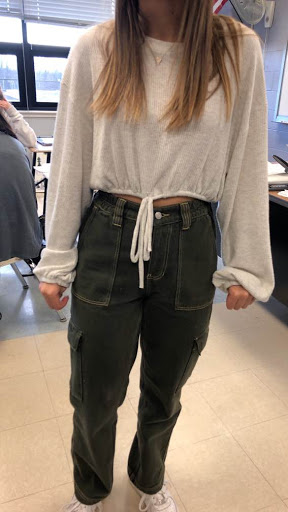 7. Cropped clothes/midriff showing: Ever since gaining popularity in the 60s, crop tops have always been popular among teenagers. However, this past decade crop tops are everywhere in all different variations. The trend of cropped sweatshirts and sweaters has especially grown in the past 3-4 years.